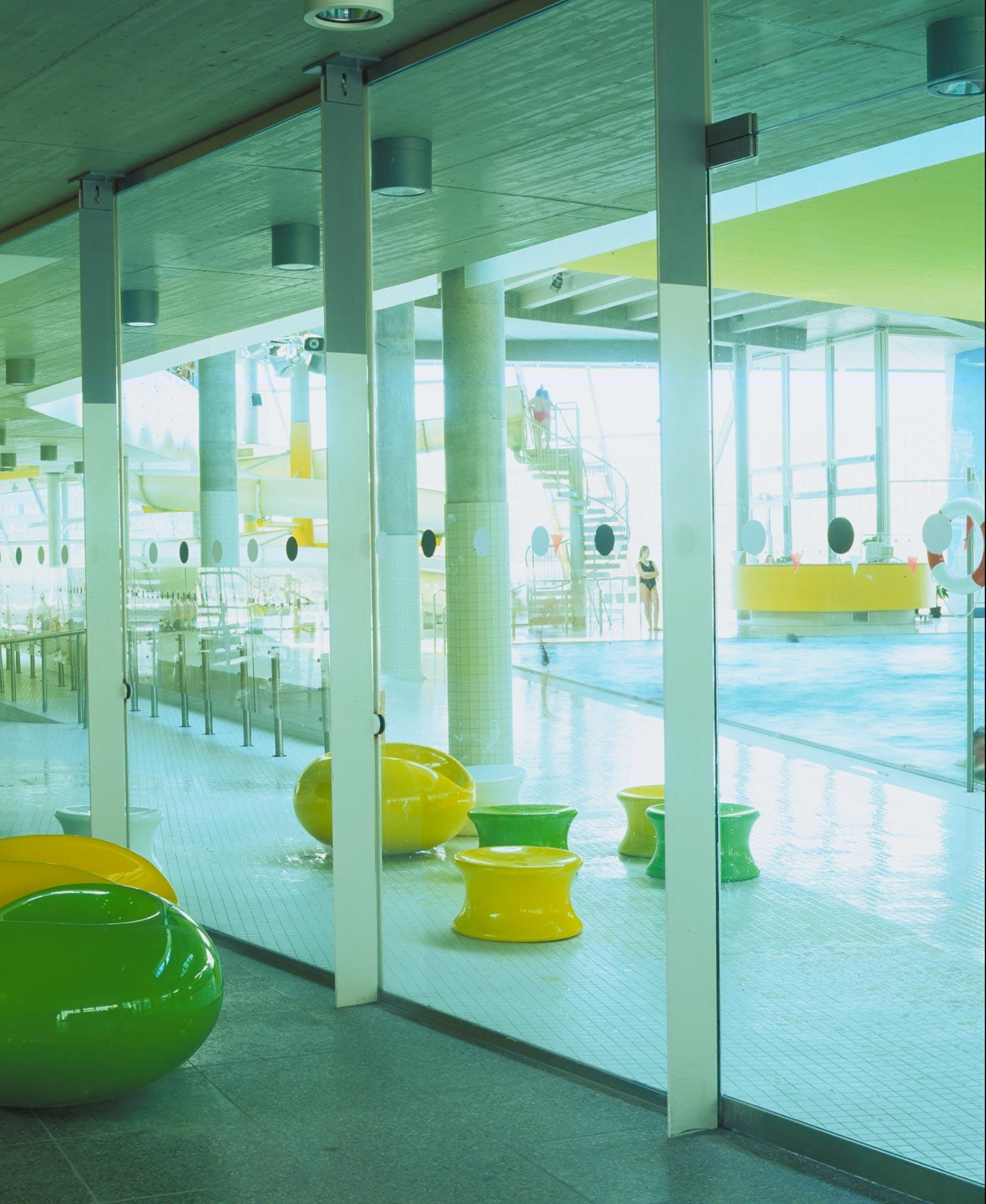 Behnisch Architekten Swimming Pool Complex Gr 252 Nauer Welle