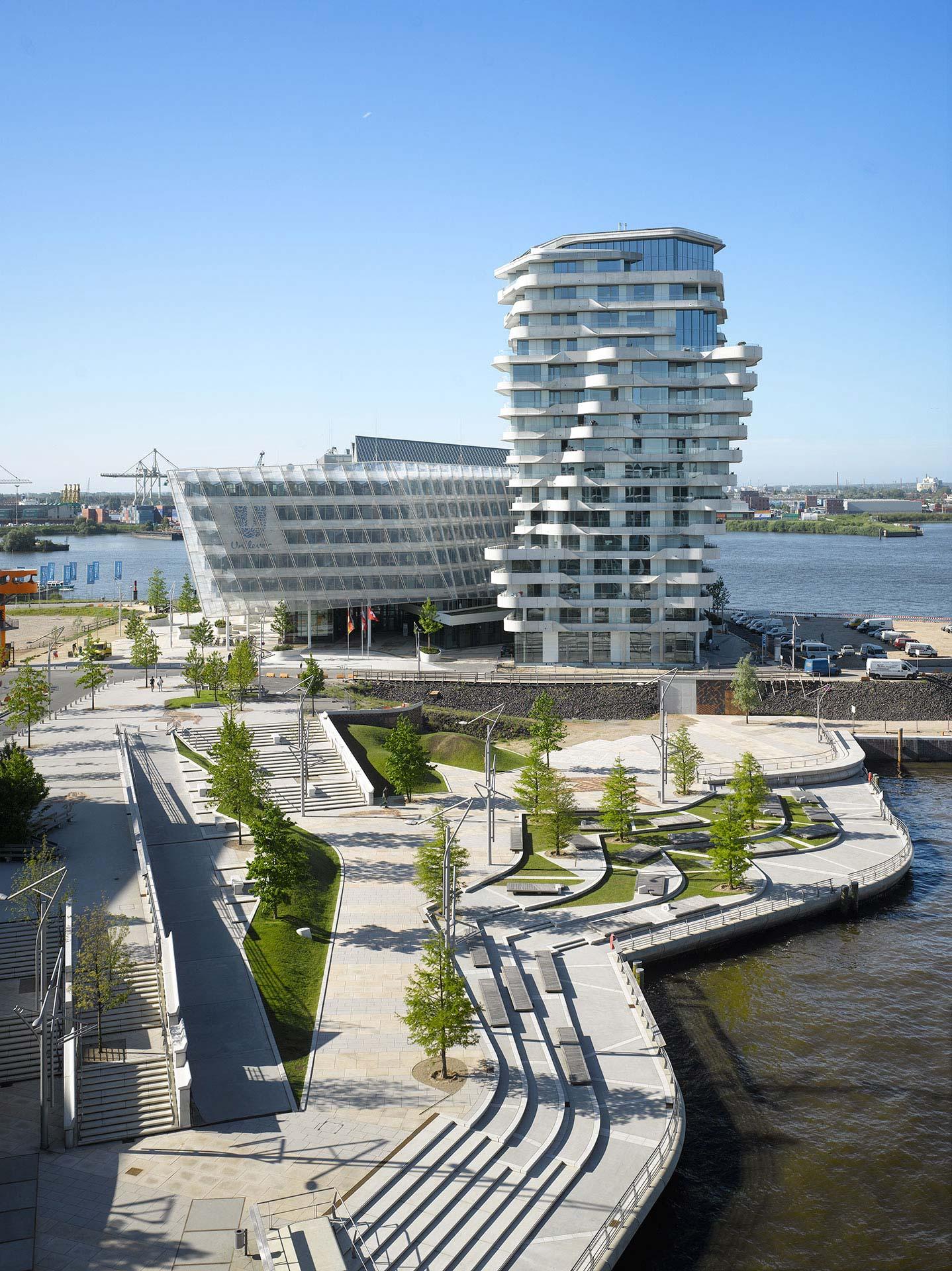 Behnisch Architekten / Marco Polo Tower